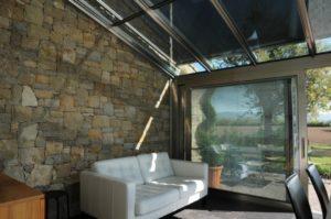 Ogród zimowy z żaluzjami i przesuwane drzwi (skrzydło 2,5 m) Tendergroup Sunroom