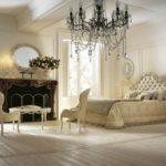 Savio Firmino, sypialnia, łóżko dwuosobowe, szafka nocna, lampka nocna, kominek, stolik kawowy, fotele