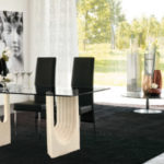 Tonin Casa, stół ze szklanym blatem