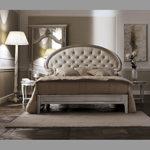 Savio Firmino, sypialnia, łóżko dwuosobowe z zagłówkiem, lampa podłogowa, stoliki nocne
