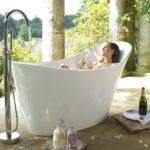 Wanna wolnostojąca Amalfi Victoria + Albert® i doskonały pomysł na relaks