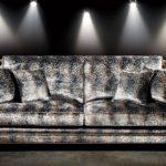 Stylowa, dwuosobowa sofa, ręcznej produkcji z Angli, Beowulf.