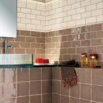 klimatyczna łazienka o ciepłym i naturalnym charakterze dzięki płytce z kolekcji Natura