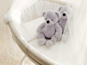 Savio Firmino, Sypialnia dla niemowląt. Kołyska i moskitiera
