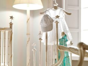 Savio Firmino, Sypialnia dla niemowląt. Wieszaczki