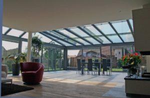 Ogród zimowy połączony z salonem Tendergroup Sunroom