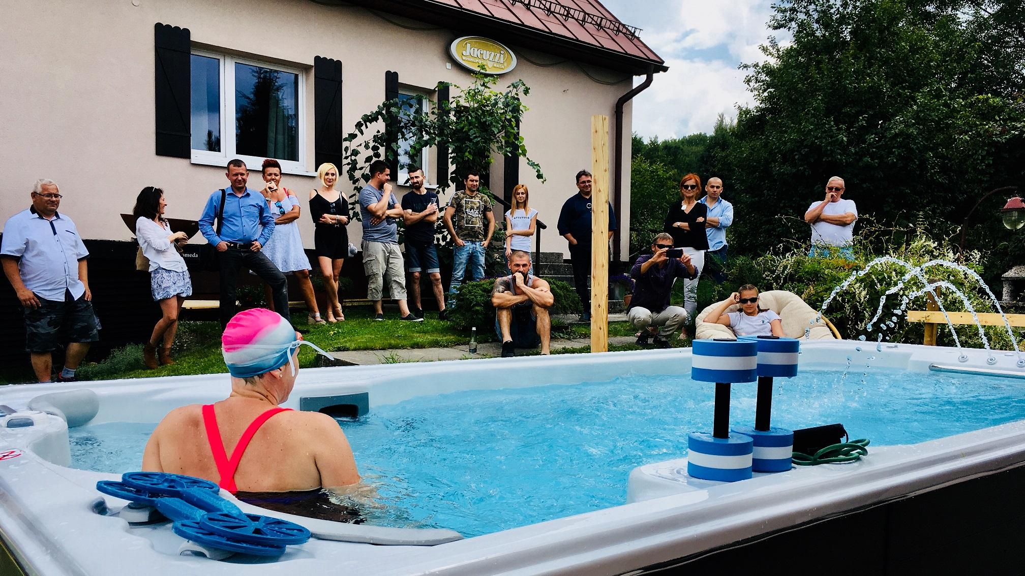 Testowanie basenów z hydromasażem Jacuzzi